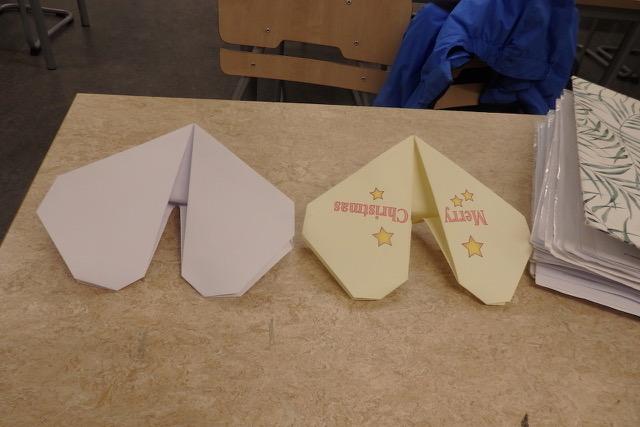 Hjärtan vikta i papper, origami